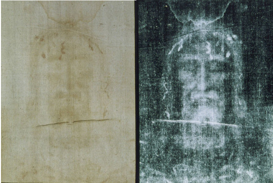 The Shroud of Turin in original and negative